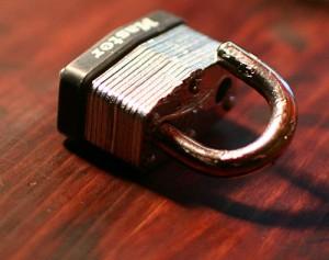 broken-lock-300x237